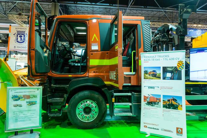 Alta presencia de Renault Trucks en Sicur, con su gama de vehículos de emergencias