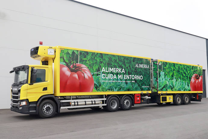 Alimerka compra su primer megacamión de GNL, un Scania motor de 13 litros