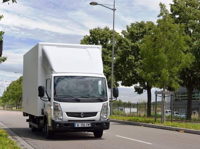 Mantenimiento durante todo el año, especial para la gama ligera de Renault Trucks