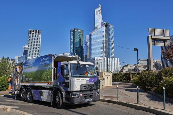 El grupo Suez reafirma su apuesta por la gama eléctrica de Renault Trucks con 10 D Wide ZE