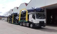 Renault Trucks entrega vehículos portacoches a Translismarsa
