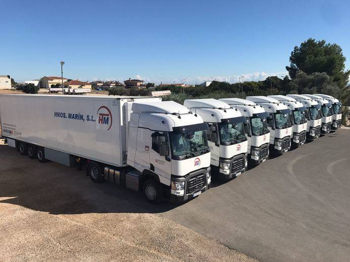 Hermanos Marín renueva flota con siete Renault Trucks T480 Sleeper Cab