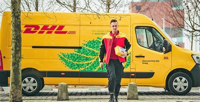 Renault Trucks entrega cuatro master ZE 100% eléctricos a DHL Parcel en Bélgica