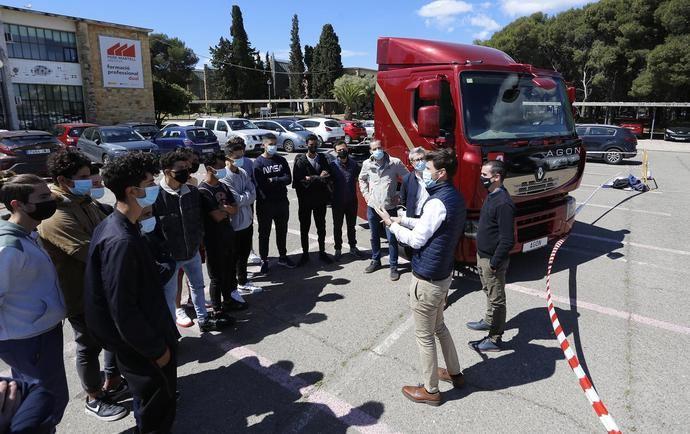 Renault Trucks apoya la formación