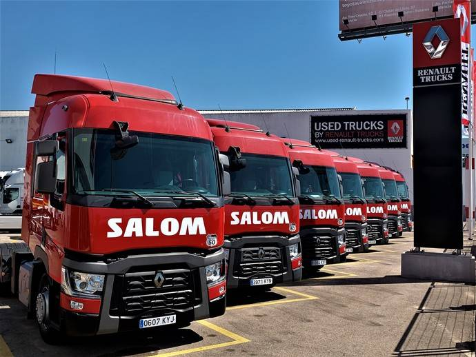 Los nuevos camiones adquiridos por Salom.
