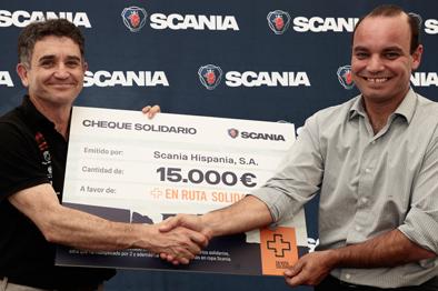 """El proyecto """"En ruta solidaria"""" recibe 15.000€ y 500kg de alimentos de Scania"""