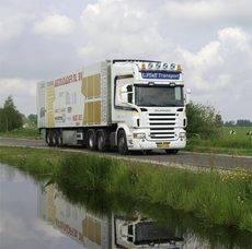 Scania centra el foco de sus actividades en sus empleados y en la conectividad de sus vehículos.