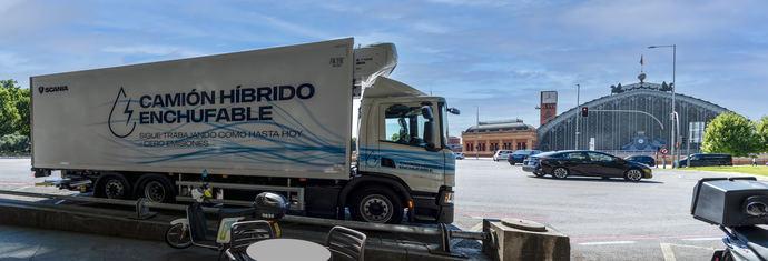 Scania prueba el primer camión híbrido enchufable en España de la mano de Acotral y Mercadona