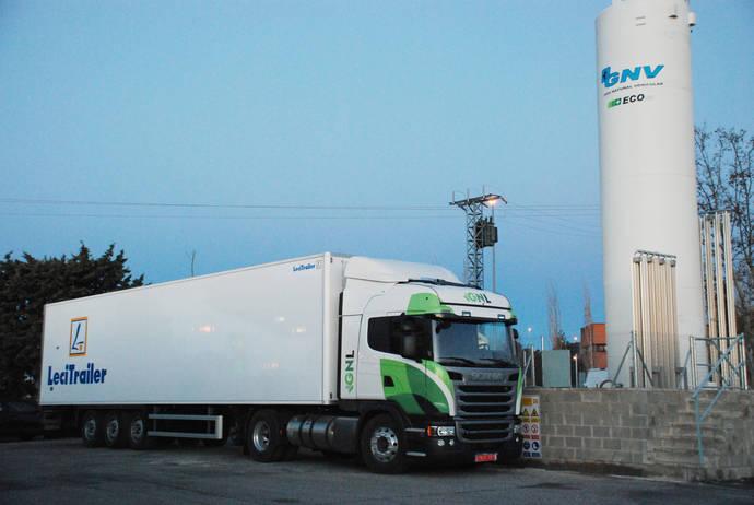 Un camión de Scania propulsado por gas.