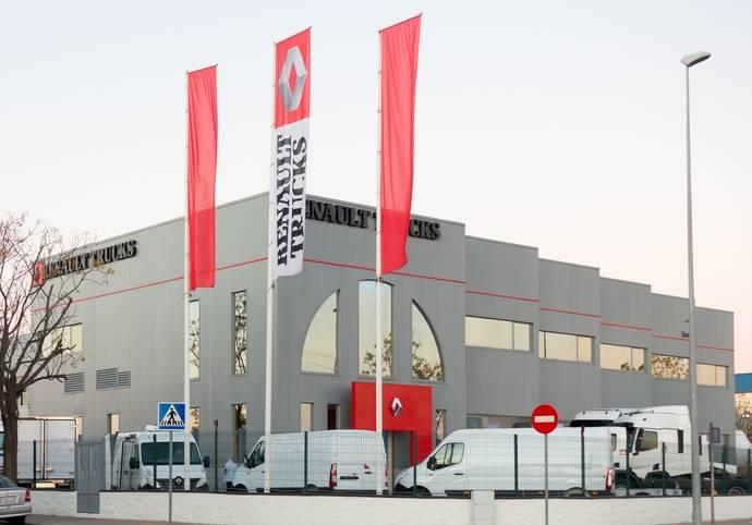 Scora, distribuidor oficial Renault Trucks en Sevilla, celebra sus 45 años