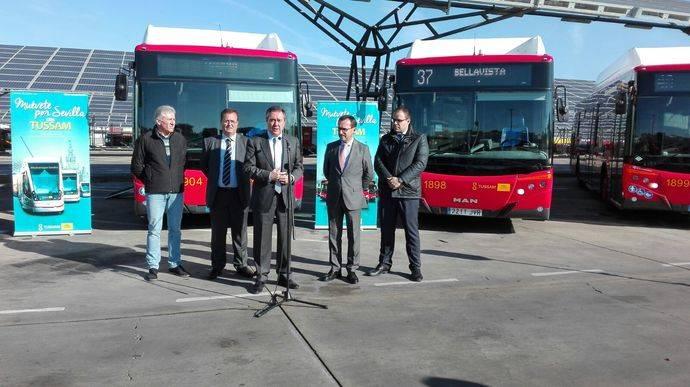 Castrosua entrega 15 unidades City Versus GNCa Tussam Sevilla