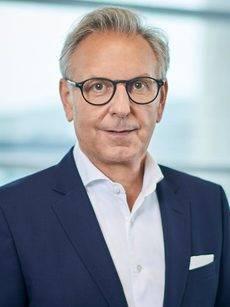Stefan Buchner.