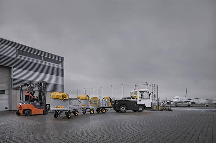 Toyota amplía su gama de tractores de arrastre T-motion, para mercancías