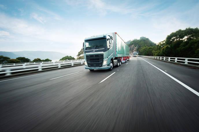 Volvo Trucks, máxima experiencia en el transporte de 60 toneladas