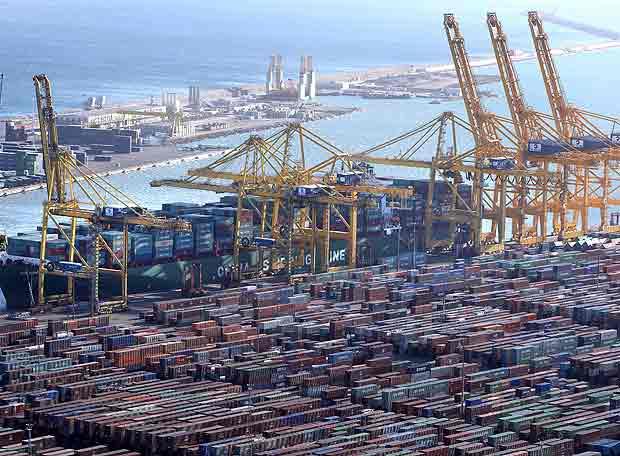 Récord de tráfico de mercancías en los puertos españoles