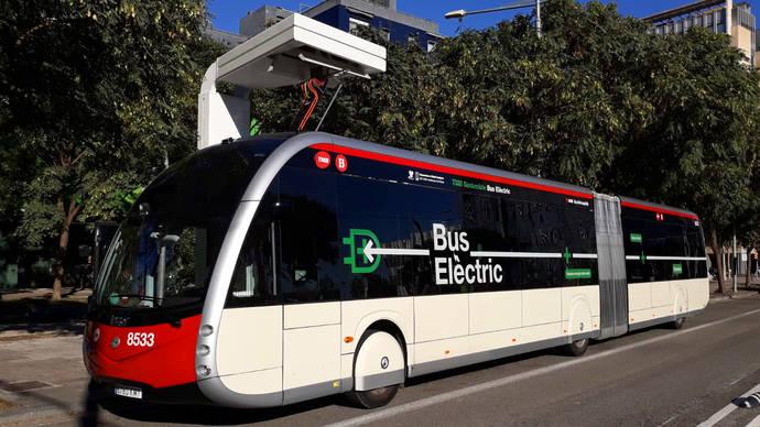 TMB presenta una flota eléctrica de alta capacidad, para una línea cero emisiones