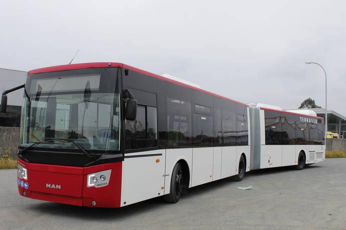 Uno de los autobuses articulados que Castrosua ha entregado a Tmesa.
