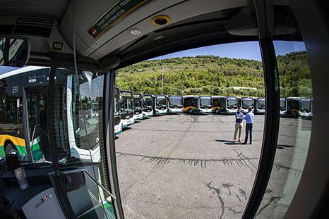 TUC estrena 16 vehículos híbridos de MAN en Pamplona