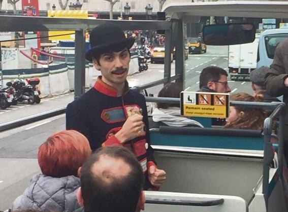 El Bus Turístic acerca la Barcelona teatral a ciudadanos y visitantes
