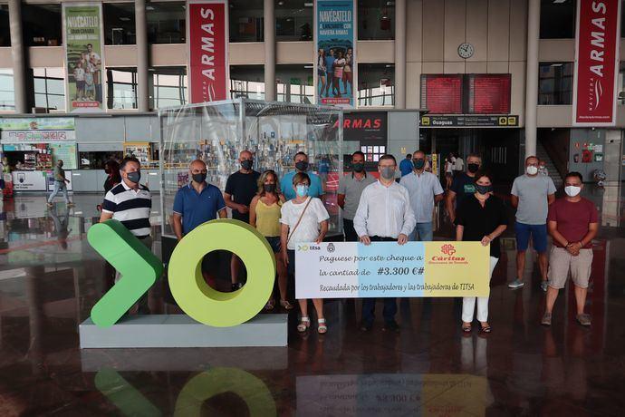 Los empleados Titsa reacudan 3.300 euros para Cáritas