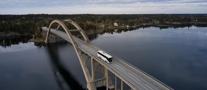 Scania presenta las mejoras que se han incorporado en el Touring