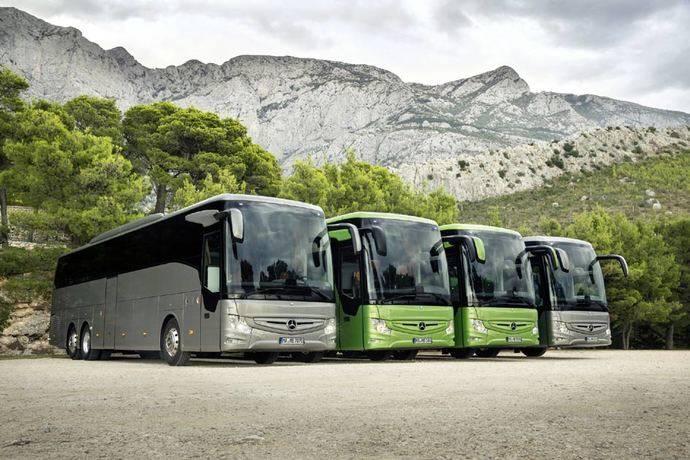 Mercedes Benz presenta su nuevo Tourismo RHD