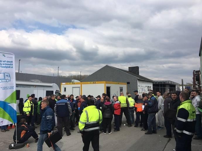 Los transportistas españoles denuncian la falta de información del Gobierno belga