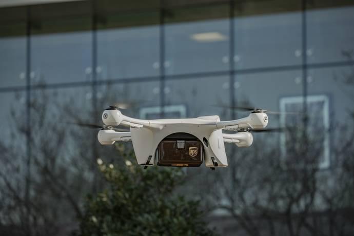 UPS crea subsidiaria y pide certificación a la FAA para entregas con drones