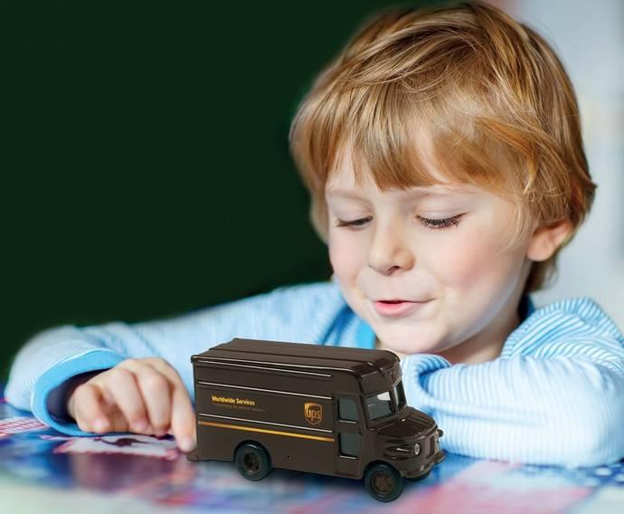 UPS comparte el espíritu navideño con una campaña de recogida de juguetes