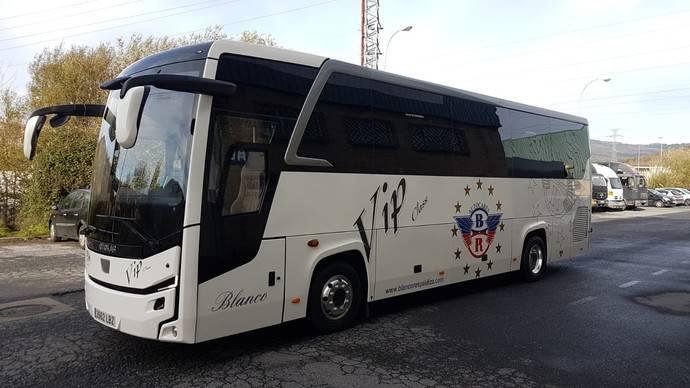 Antonio Blanco e hijos apuestan por el midibús Otokar Ulyso T