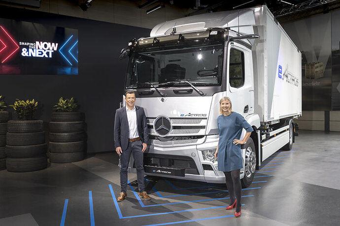Mercedes-Benz Trucks presenta soluciones innovadoras para la transición energética en el transporte de mercancías