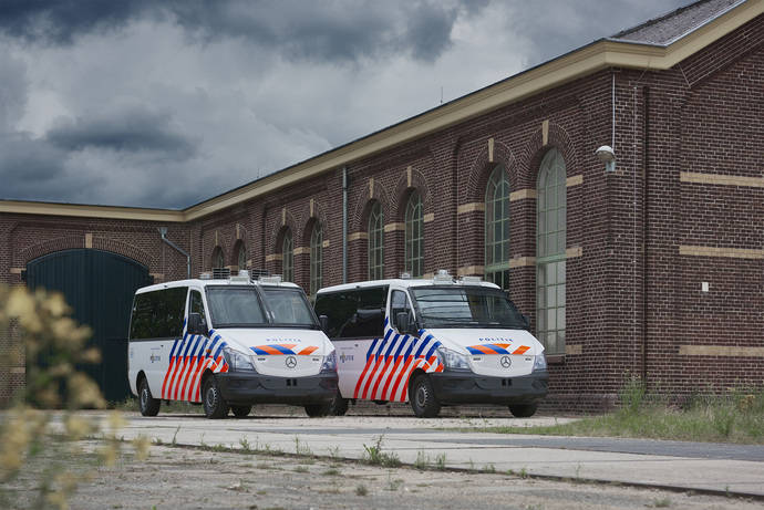 VDL realiza la conversión de 256 autobuses para la policía holandesa