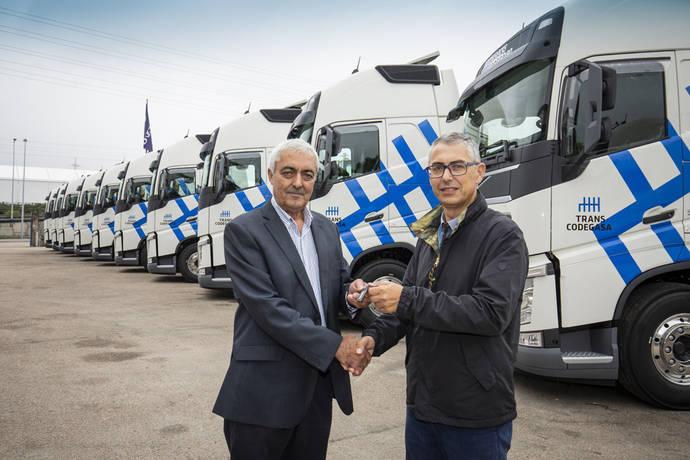 Transcodegasa amplía su flota con 10 nuevos Volvo FH
