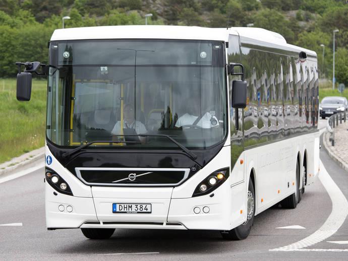 Un autobús Volvo con el sistema VDS, durante las pruebas.
