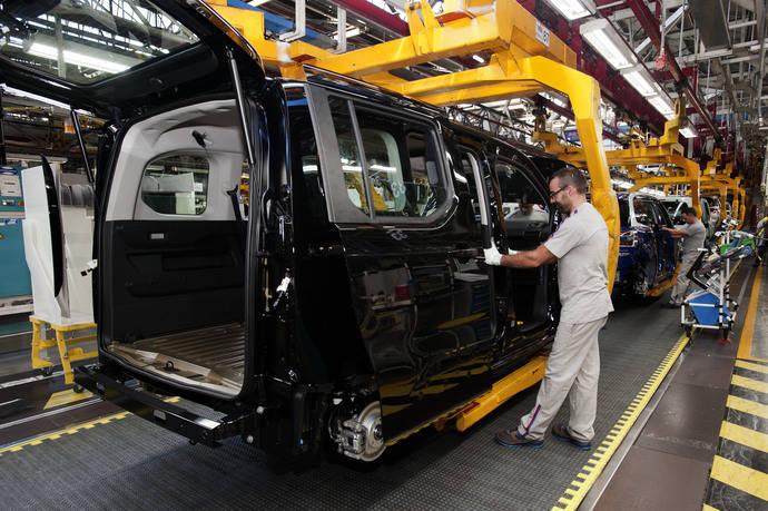 La producción en serie de los nuevos comerciales ligeros de Groupe PSA comienza en Vigo