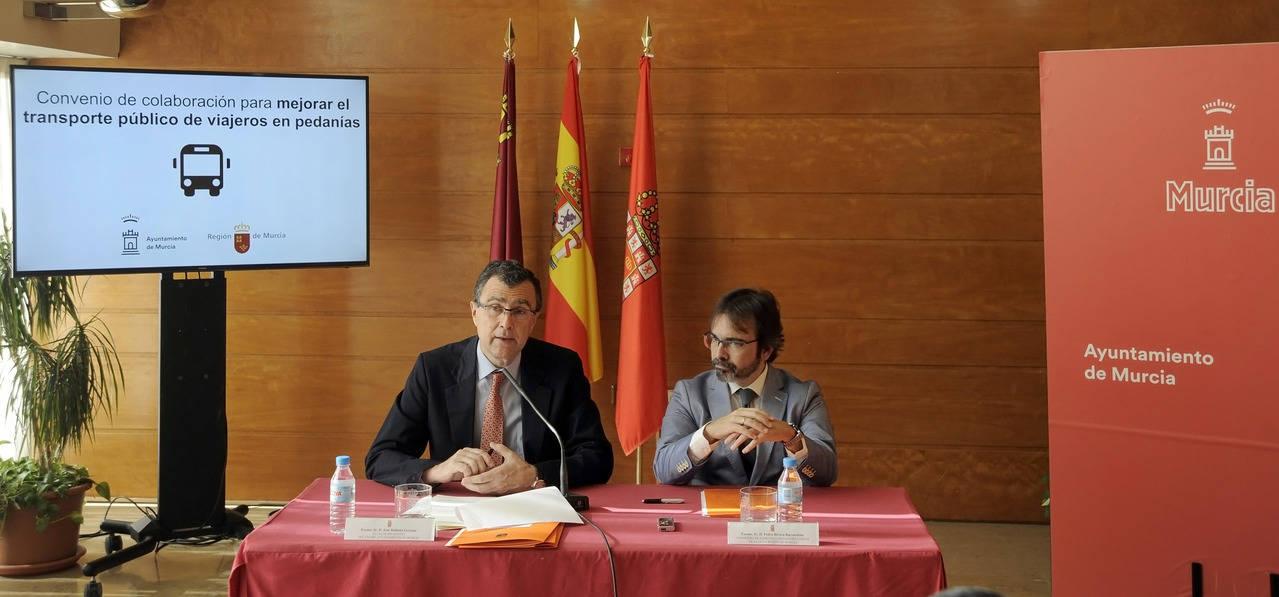 Convenio para mejorar la conexión por autobús en las pedanías de Murcia