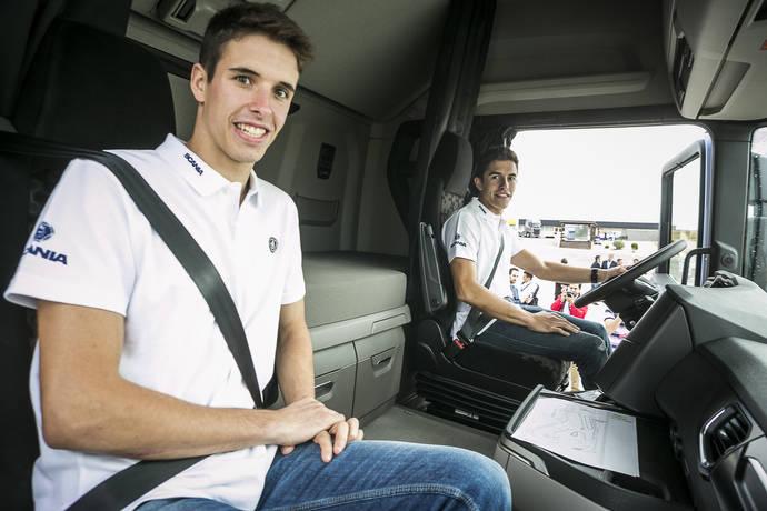Marc y Àlex Márquez conducen camiones Scania