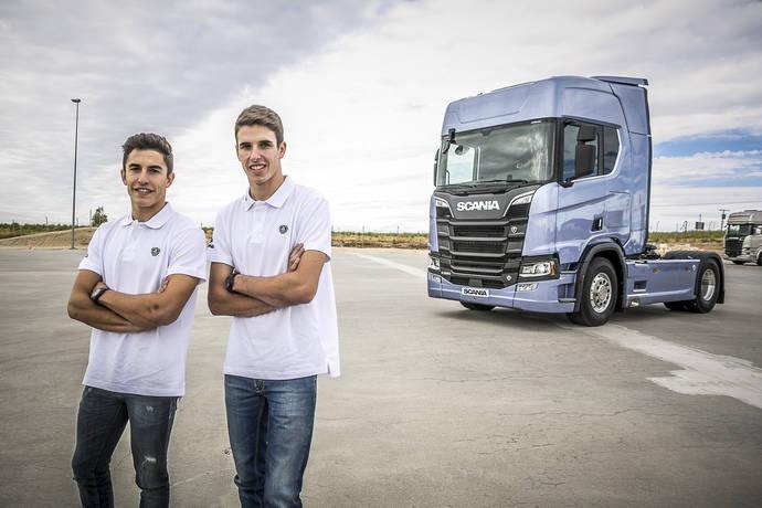 Marc y Àlex ya contaban con Scania para transportar su 'motorhome' por todos los circuitos de Europa, durante el mundial de este año.