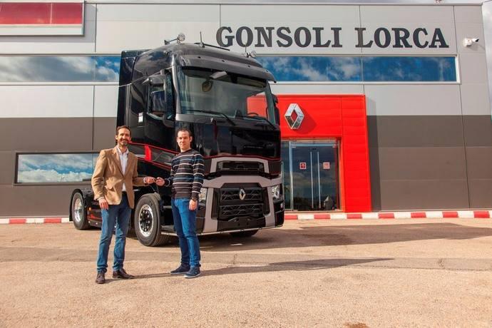 Renault Trucks entrega su primer T High Edition en Murcia