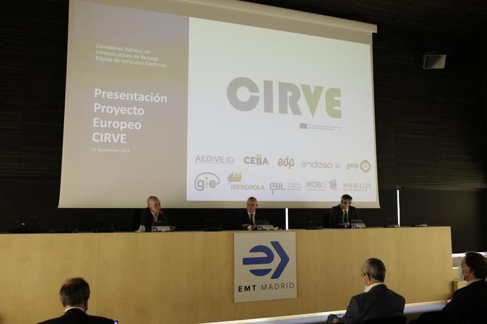 EMT acoge el proyecto CIRVE para la recarga de vehículos eléctricos