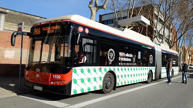 La línea H16 de Barcelona estrena dos buses eléctricos