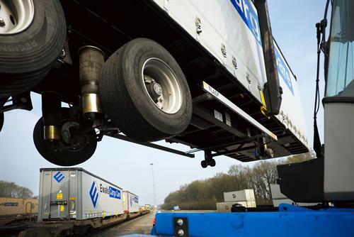Ewals renueva con Goodyear el acuerdo de suministro de neumáticos