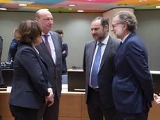 Ábalos destaca que la estrategia de la CE debe incluir la movilidad segura y sostenible