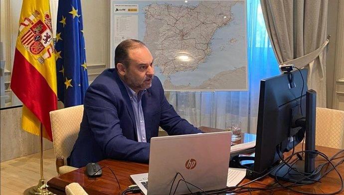 Ábalos: 'El Ministerio de Transportes tendrá un papel protagonista en la inversión pública'