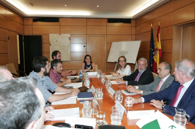 El alcalde de La Coruña solicita a la Xunta un compromiso económico para la estación Intermodal