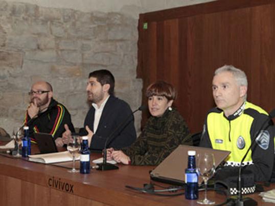 Pamplona quiere cerrar el Casco Antiguo al tráfico