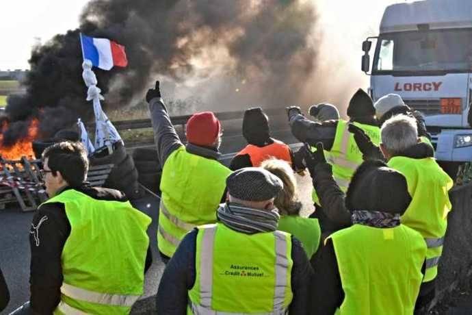 CETM-Madrid denuncia rapto camiones en Francia por bloqueo de carreteras