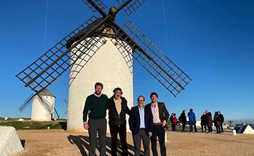 Acuerdo entre las compañías Leciñena Trailer y Tecnove Fiberglass