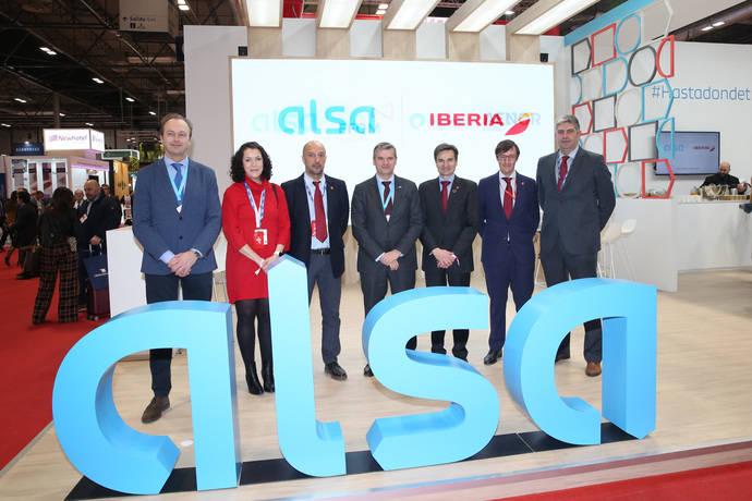 Iberia y Alsa renuevan acuerdo que combina billetes de autobús y avión
