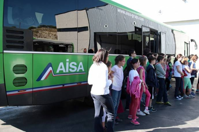 Vuelve la campaña de Aisa 'El autobús visita el cole'